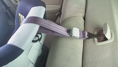 Особенности установки автокресел различных групп на переднее сиденье