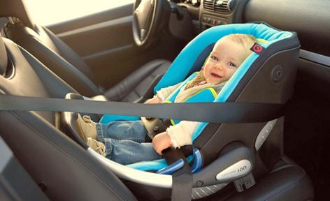 новорожденный в машине